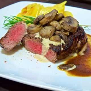 Filet Mignons With Pepper Cream Sauce
