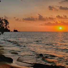 Praia do Caripi by Rui Santos - Landscapes Sunsets & Sunrises ( amazon, amazônia, beautiful, abaetetuba, brazil, pará, nature, pixoto, riverside, riverscape, natureza, canon,  )