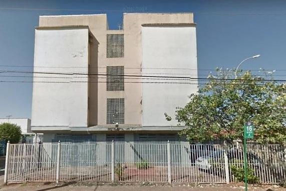 qi 16 bloco a - guará.apartamento com 03 quartos com armários, cozinha com armários, banheiro social,...