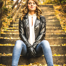 Autumn leaves by Róbert Fülöp - People Fashion ( curly, blonde, fashion, model, stairs, autumn, jeans, leaves, leather, golden )