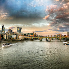 London by Abdul Rehman - Instagram & Mobile iPhone ( sky, london, uk, thames, cityscape, river, shard, skyline )