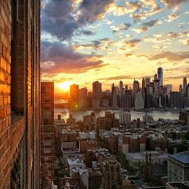 NYC sunset by Nicholas Mundy - Landscapes Sunsets & Sunrises ( freedomtower, sunset, nyc, newyork, brooklyn )