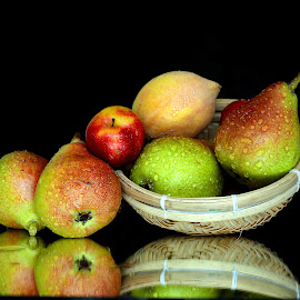Fresh pears by Asif Bora - Food & Drink Fruits & Vegetables