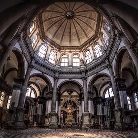 Venezia - Basilica di Santa Maria della Salute-1.jpg