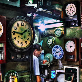 Time Maker by Tze Seng - Professional People Technology Workers