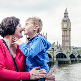Unconditional Love by Tom Gordon - People Family ( child, editorial, thames, london, mother, family, westminster, son, bridge )