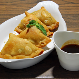 Samosa by Dipali S - Food & Drink Plated Food ( stuffed, chutney, spicy, plate, indian, traditional, delicious, fried, appetizer, snack, patties, asian, crispy, filled, parcel, diwali, samosa, food, meat, healthy, vegetarian, lunch, vegetable, pastry, fast,  )