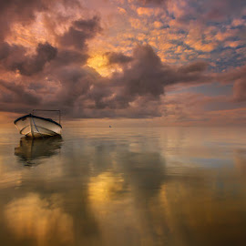 Sea and Skies by Choky Ochtavian Watulingas - Landscapes Waterscapes ( clouds, seashore, reflections, sunrise, seascape, skies )