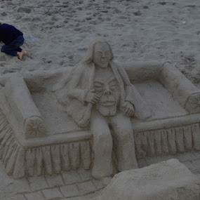 sand art by Jarno Liimatainen - Artistic Objects Other Objects ( holiday, sand, beach, people, italy )