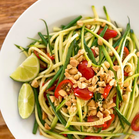 Thai-Style Zucchini Ribbon Salad (Based on Som Tum)
