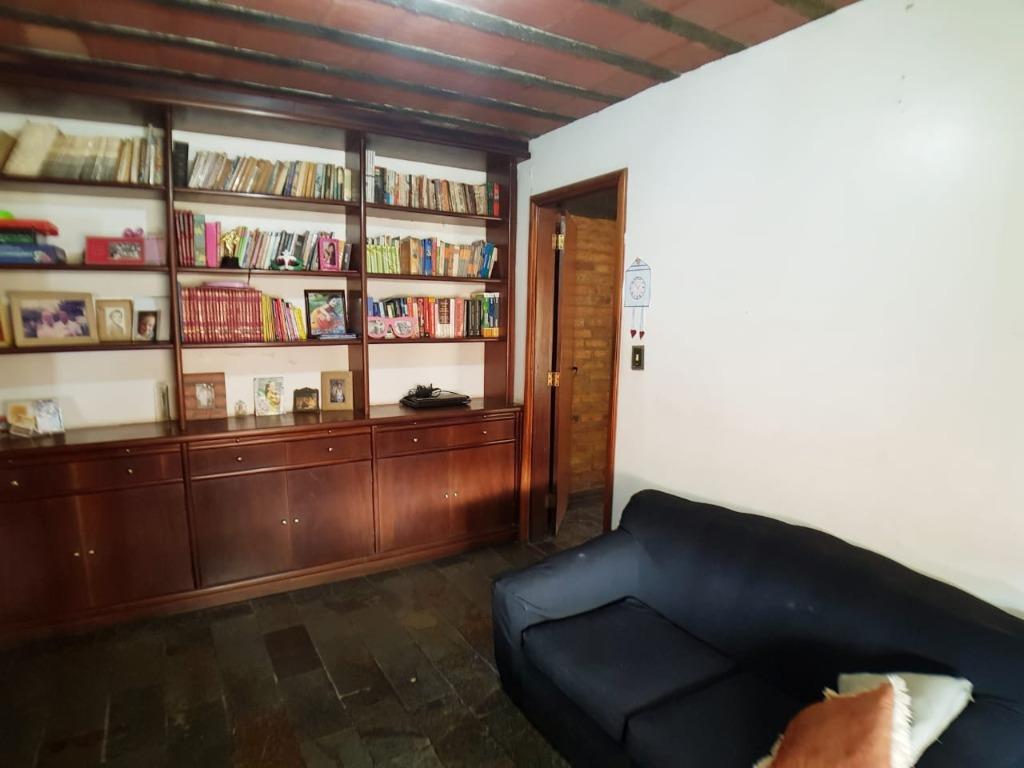 Casa em Piratininga  -  Niterói - RJ