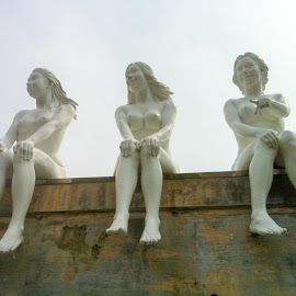 Naked Wall Statues by Brent Hendricks - Buildings & Architecture Statues & Monuments