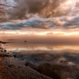 Hudson river north by Bob Ricketson - Landscapes Sunsets & Sunrises ( water, fog, colors, hudson valley, sunrise, river )