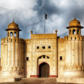 by Abdul Rehman - Buildings & Architecture Public & Historical ( beautiful, beauty, natural light, pakistan, lahore, iphone )