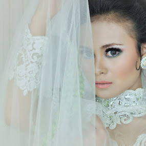 beauty bride by M Salim Bhayangkara - People Portraits of Women