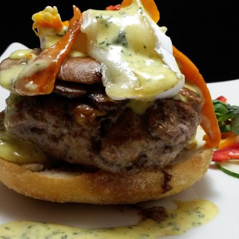 Lamb and Feta Burgers with Lemon, Garlic and Mint Aioli