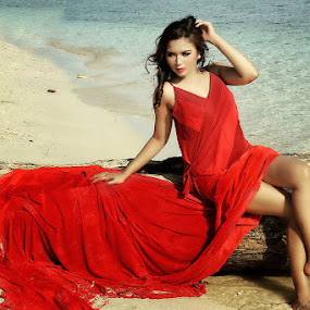Red Woman by Arryawansyah Abidin - People Fashion