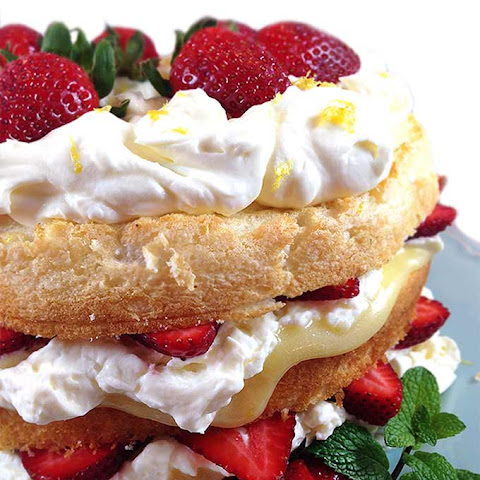 Fresh Strawberry and Lemon Angel Food Cake
