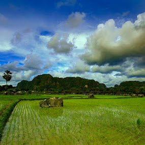Ramang-Ramang (Maros) South Sulawesi by Rifa PhotoArt - Novices Only Landscapes
