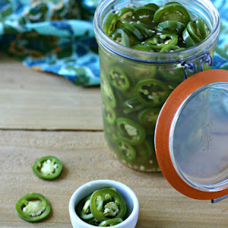 Easy Pickled Jalapenos