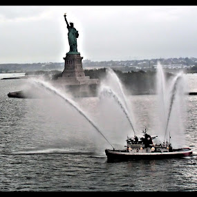 Fire Boat by Becky McGuire - Transportation Boats ( liberty, landmark, statue, mcguire, harbor, tvlgoddess, lady, travel, new york, boat, fire, , villes, rencontres, continents, découvertes curiosités, personnes, marchés, water, device, transportation )