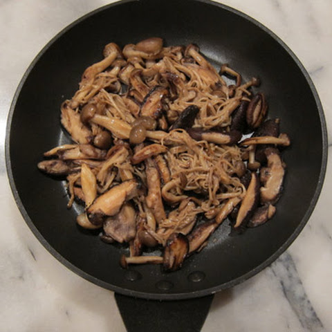 Toshikoshi Kinoko Soba, Japanese New Year's Eve Soba Noodles with Mushrooms