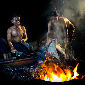 Burning by Pimpin Nagawan - People Portraits of Men
