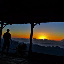 di atas bukit Kelimutu by Eto Tjeme - Landscapes Sunsets & Sunrises ( #sunriseatkelimutulake )