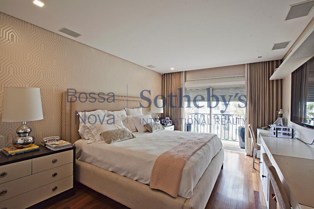 Elegante apartamento próximo a praça Pereira Coutinho