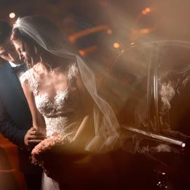by Dimitris Diakogiannis - Wedding Bride & Groom