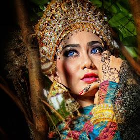 Melayu etnic by Dije Melankolia - People Fashion