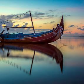 .:: Loneliness ::. by Setyawan B. Prasodjo - Transportation Boats