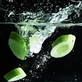 Cucumber splashing...!!! by Ismed  Hasibuan  - Food & Drink Fruits & Vegetables ( water, cucumber, splashing, food, green, vegetables )