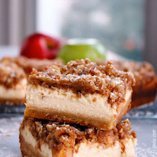 Apple Crisp Cheesecake Bars