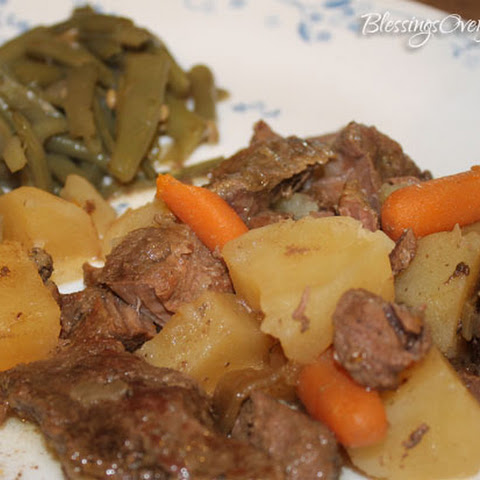 Crockpot Roast, Potatoes & Carrots