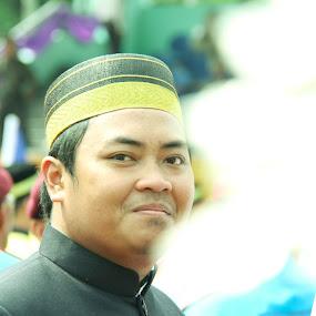 bugis by Matt da Greatz - People Street & Candids ( kota kinabalu, bugis, lelaki, malaysia, sabah )
