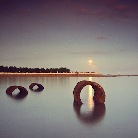 Supermoon by Theyjun Photoworks - Instagram & Mobile Android ( sanur, sony, alpha, longexposure, beach, mertasari, sunset, fullmoon, instamood, likeforlike )