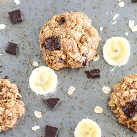 Healthy Chocolate Chunk Banana Oatmeal Cookies