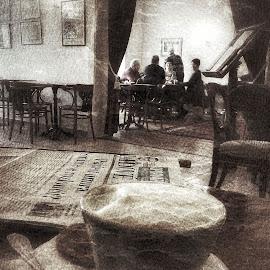 Coffee break by Alena Ajaja Koutná - People Street & Candids