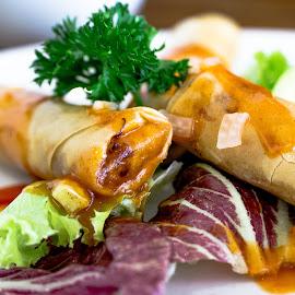 Egg Rolls by Varok Saurfang - Food & Drink Plated Food ( eggrolls, food, delicious, appetizer, crispy )