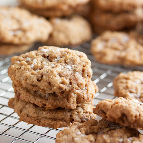 Oatmeal Salted Caramel Cookies