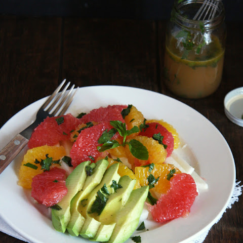Spring Citrus Salad with Honey Mint Vinaigrette (Fiesta Fridays)