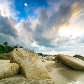 Feel the wrath of nature by Edwin Kosasih - Landscapes Weather ( bangka, nature, indonesia, penyusuk, beach, landscape )