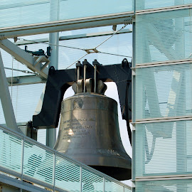 Freedom Bell by Philip Molyneux - Buildings & Architecture Statues & Monuments