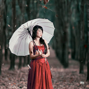 untitle by Dimas Winarto - People Portraits of Women