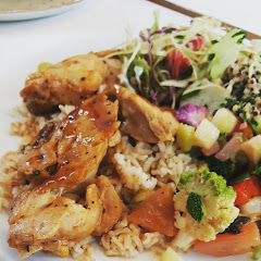 GF Teriyaki Chicken, quinoa, and side salad