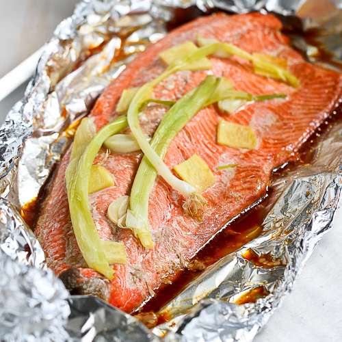 Easy Grilled Salmon Recipe in Foil with Ginger & Soy Sauce Recept ...