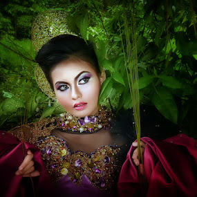 the Queen  by Boim Wahyudi - People Portraits of Women