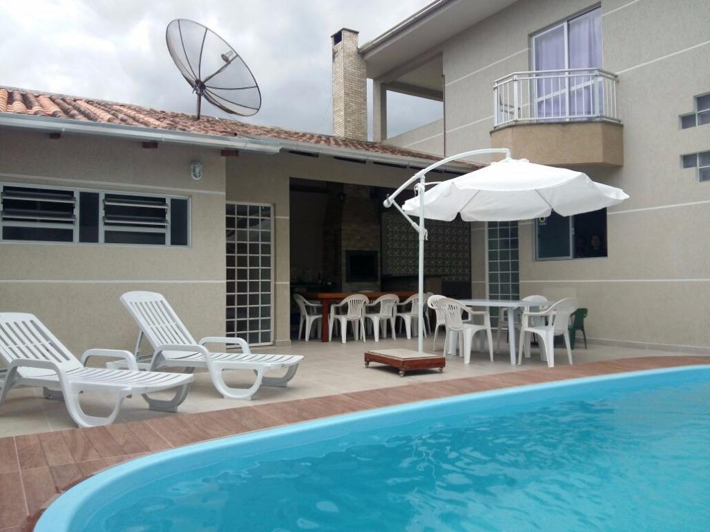 Linda casa com piscina para aluguel de temporada até 25 pessoas