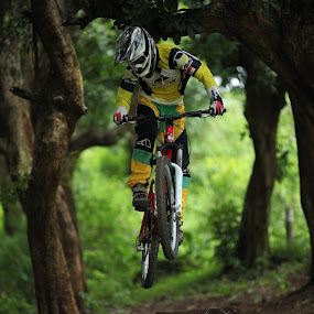 5Dmkii + 70-200 F/2.8  by Mas Emen - Sports & Fitness Cycling